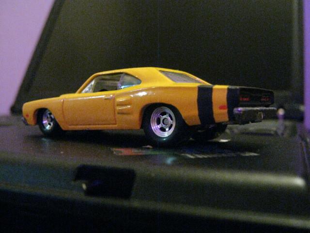 69_Dodge_UberBee_rear.jpg